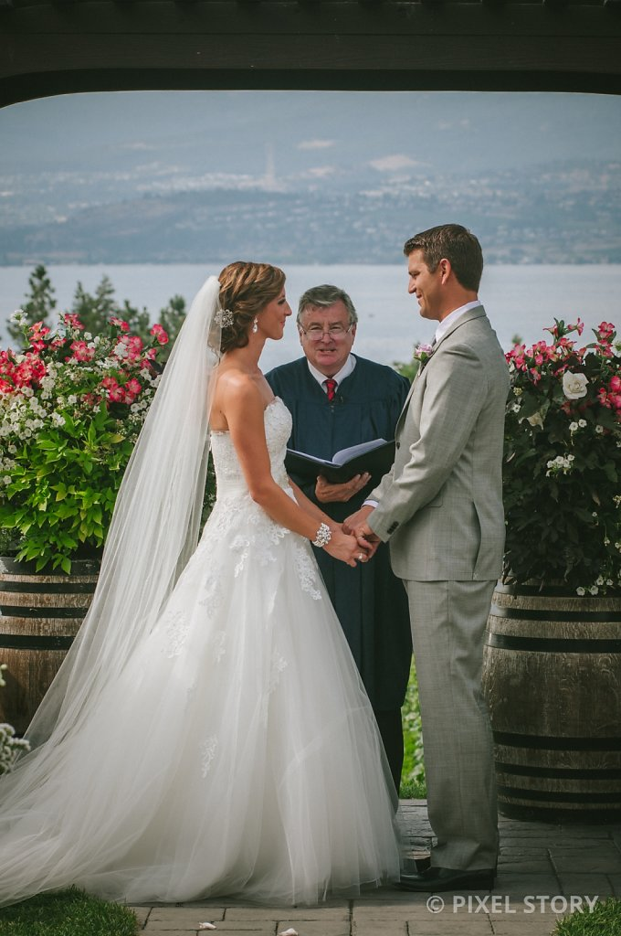 Kelowna Wedding Photographers Summerhill 130824 0431