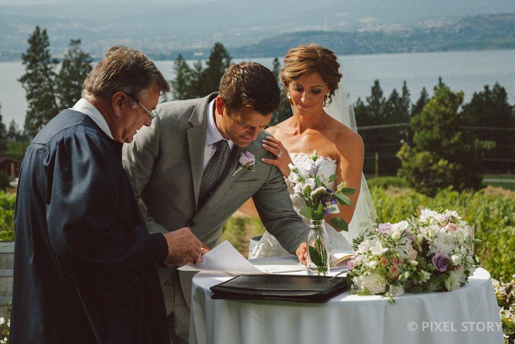 Kelowna Wedding Photographers Summerhill 130824 0505