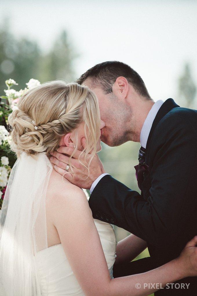 Kelowna Wedding Photographers Summerhill 130809 0427